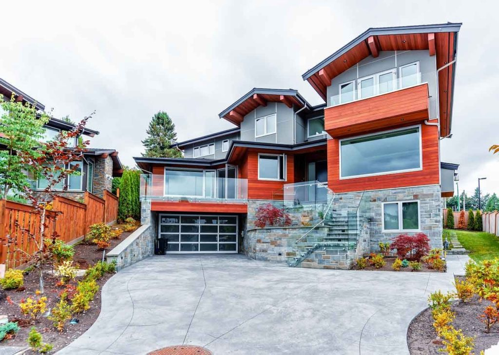 top 5 garage doors trends in Calgary