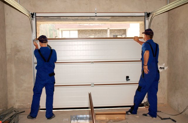 Rollers-Garage-Door-Installation