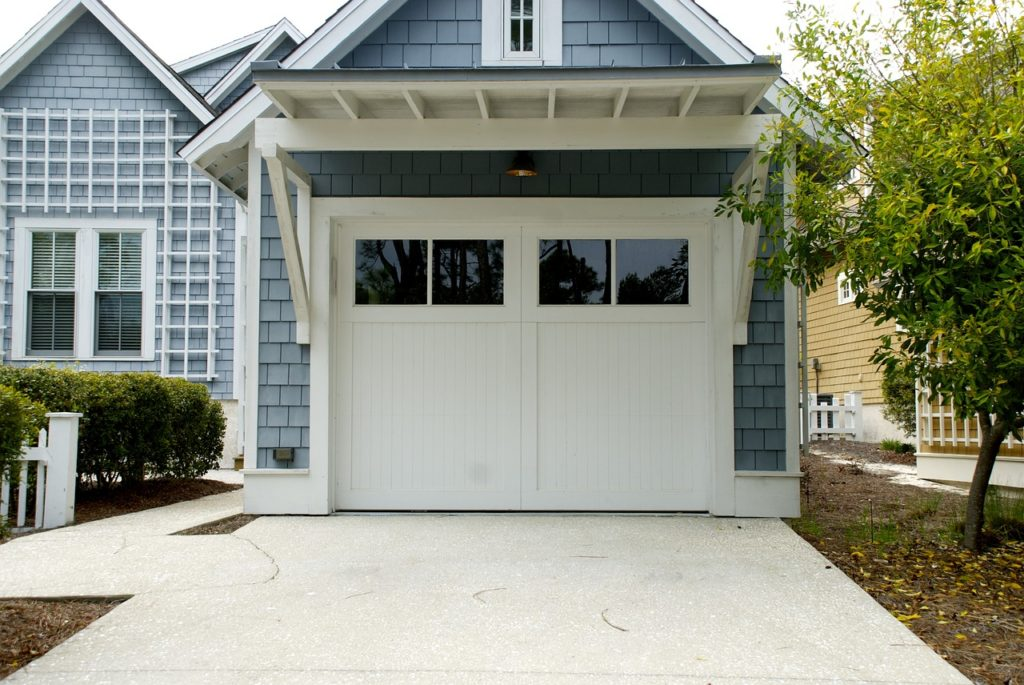 Garage door service guide installation repair and maintenance calgary garage doors solutioingenieria Gallery