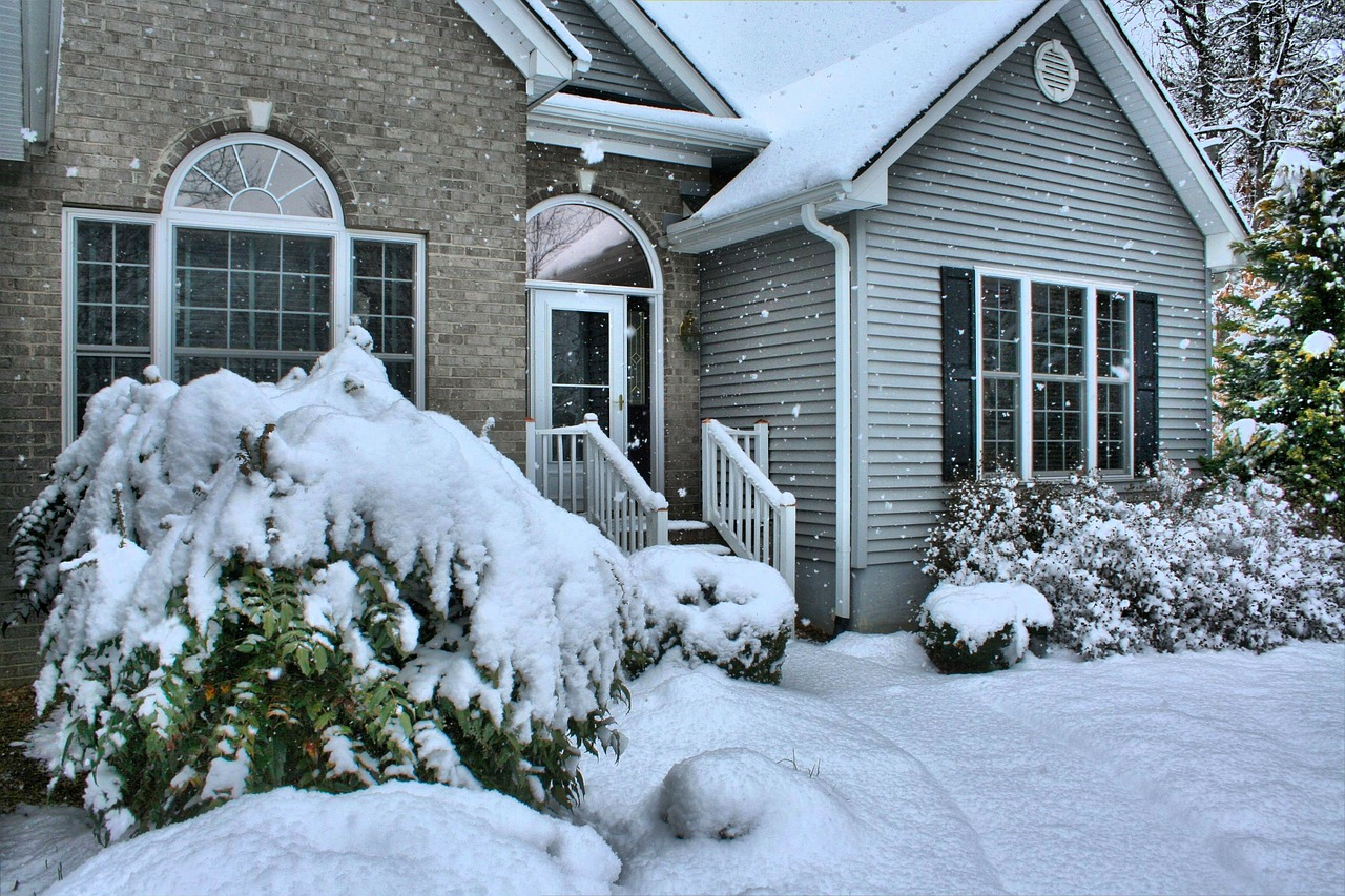 Homeowner's Guide to Prepare Your Garage Door For Winter